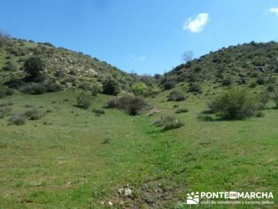 La pradera de la ermita de San Benito;agencias de senderismo en madrid;senderismo singles